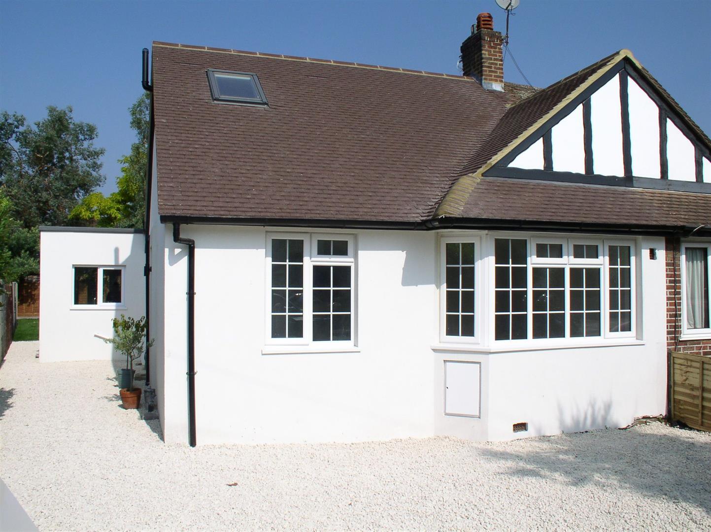 4 Bedrooms Semi Detached Bungalow
